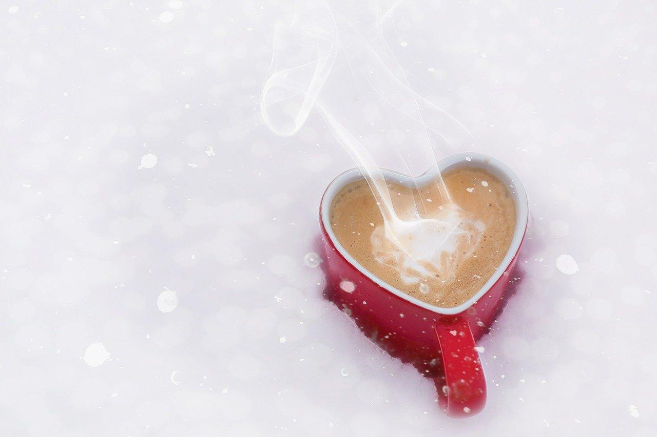 Coffee mug in the snow